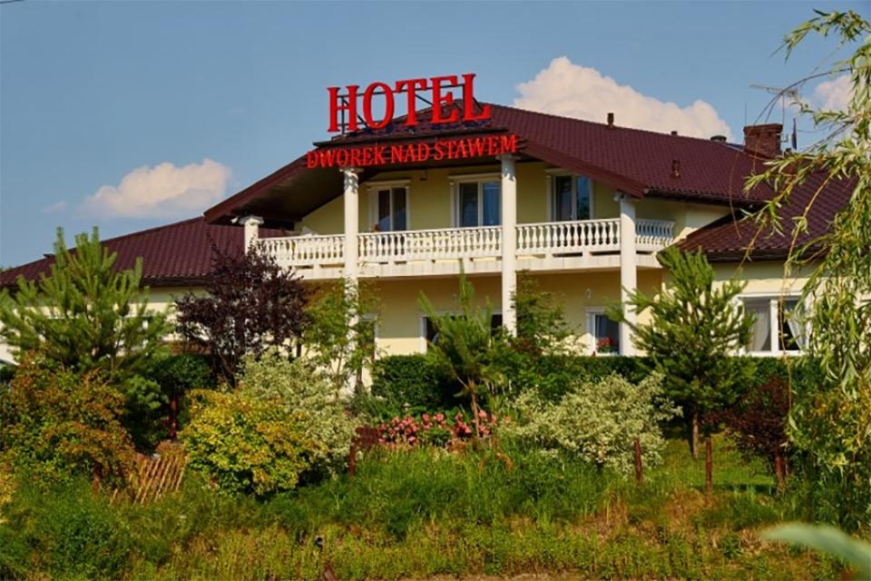 Hotel 'Dworek nad stawem'